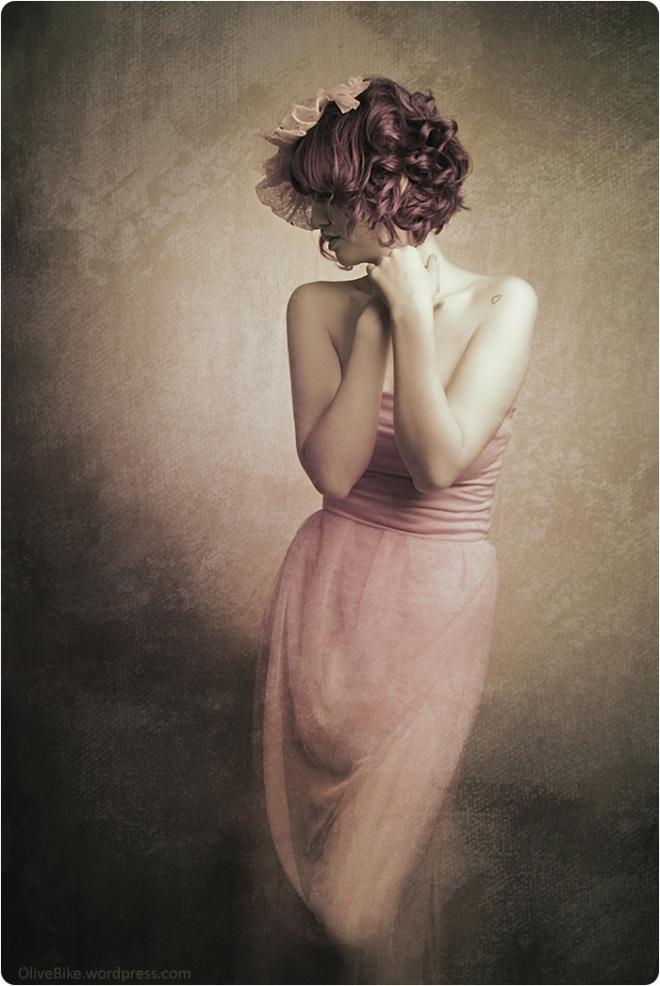 young woman artistic portrait by Lupa Belok
